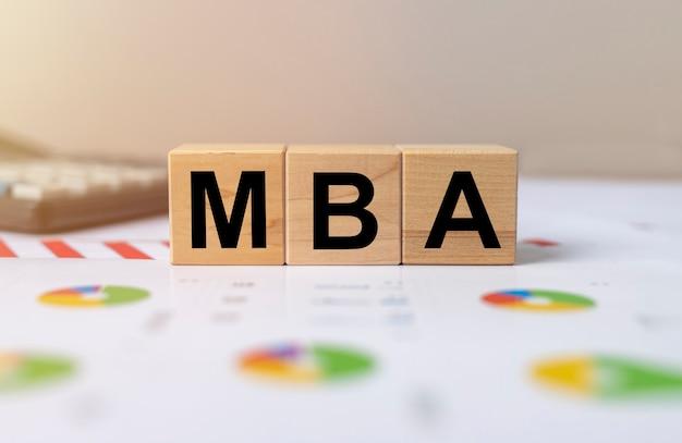 Iscrizione acronimo mba. master of business administration concept, istruzione.