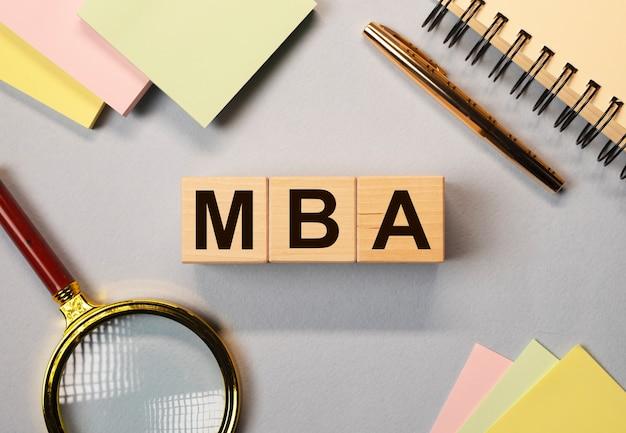 Mba acronimo di laurea magistrale in amministrazione. istruzione nel concetto di business.
