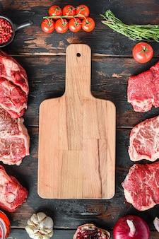 Concetto di cornice di bistecche di manzo di carne