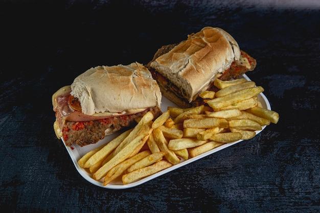Panino di carne milanesa fast food dall'argentina