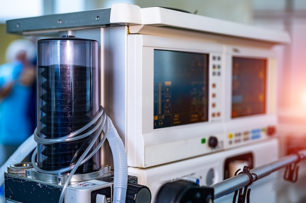 Apparecchiature per la ventilazione meccanica. diagnosi di polmonite. ventilazione dei polmoni con ossigeno. covid-19 e identificazione del coronavirus. pandemia.