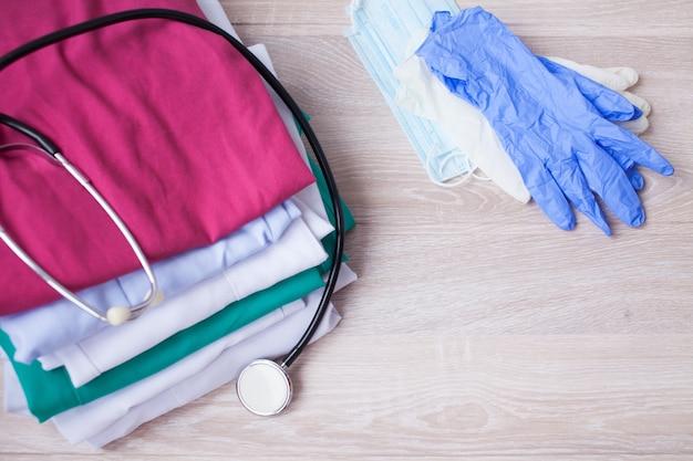 Visita medica, stetoscopio, medicina e terapia, sfondo con spazio di copia