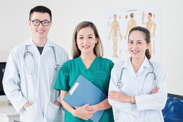 Equipe medica in ospedale