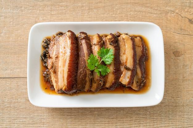 Ricette mei cai kou rou o pancetta di maiale al vapore con senape swatow - chinese food style