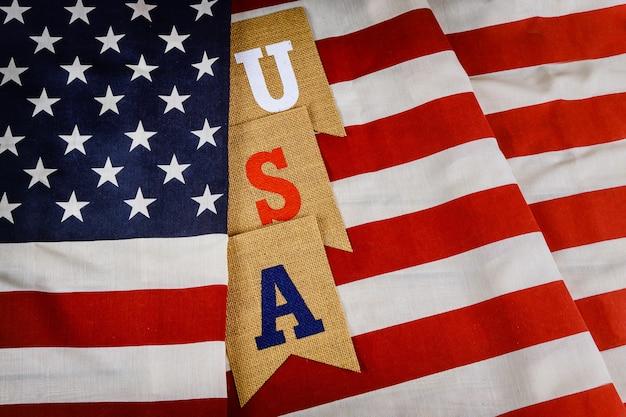 La bandiera americana di giorno dei caduti sul patriottismo afferma le feste nazionali degli sua