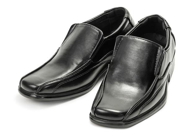 Scarpe in pelle moda uomo classico isolato su bianco con tracciato di ritaglio