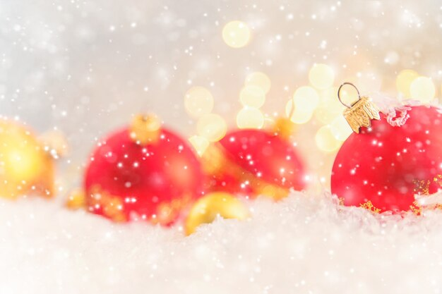 Buon natale e felice anno nuovo, fondo della cartolina d'auguri di feste. messa a fuoco selettiva.