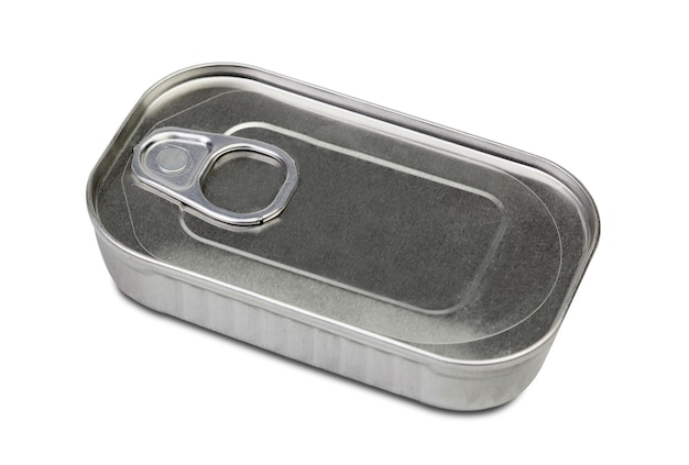 Barattolo di metallo per conservare isolato su sfondo bianco