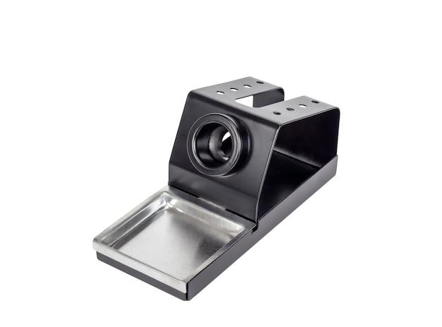 Supporto in metallo per strumento elettronico saldatore. isolato su uno sfondo bianco.