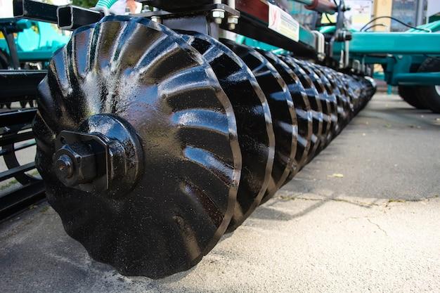 Corpi di lavorazione dei metalli di un erpice a dischi per la lavorazione del terreno