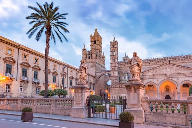 Cattedrale metropolitana dell'assunzione della vergine maria a palermo al mattino, sicilia, italy