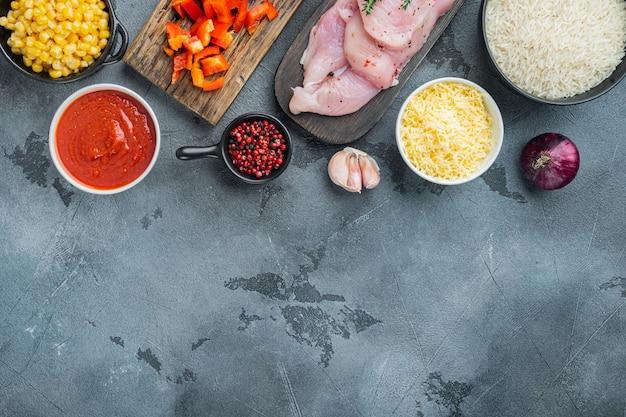 Cibo messicano. cucina del sud america. ingredienti tradizionali, su sfondo grigio, vista dall'alto laici piatta con copia spazio per il testo
