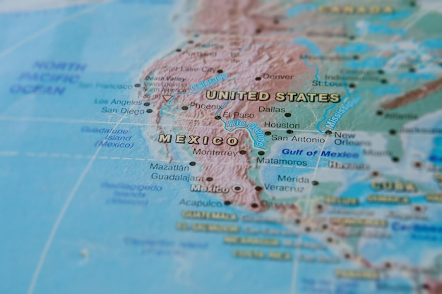 Il messico in primo piano sulla mappa. concentrati sul nome del paese