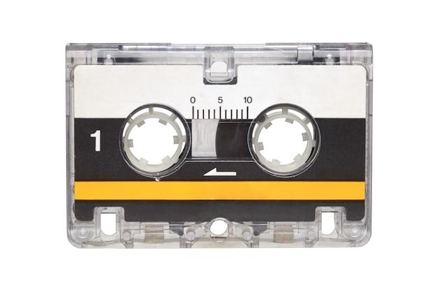 Microcassetta per segreteria telefonica isolata su sfondo bianco