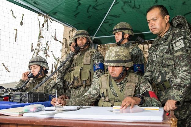 Comando militare nella stazione da campo - 2