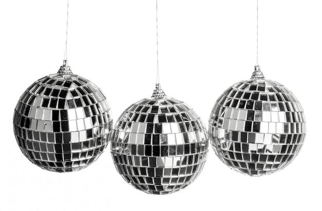 Mini palla da discoteca isolata su bianco