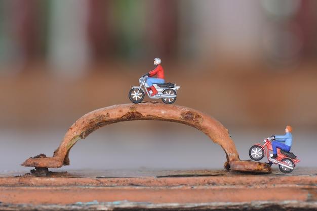 Giocattoli da motociclista in miniatura per bambini