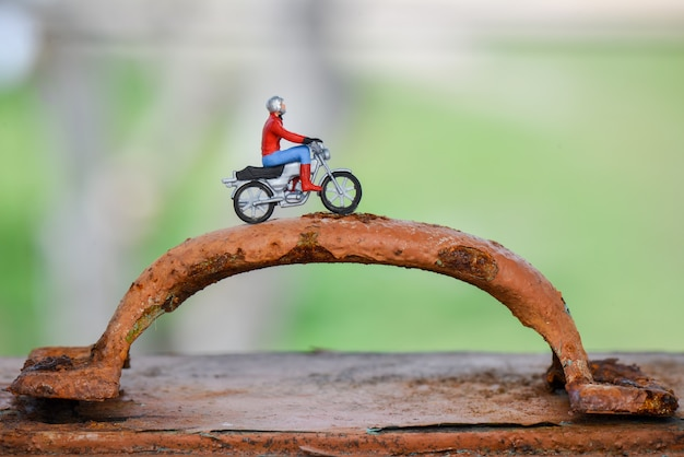 Motociclisti in miniatura
