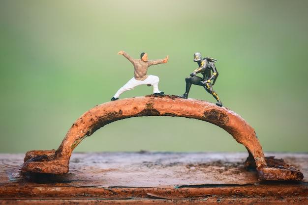 Figura in miniatura monaci shaolin