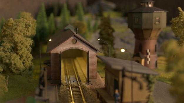 Tunnel ferroviario in miniatura.