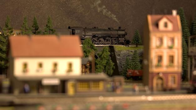 Stazione ferroviaria retrò in miniatura.