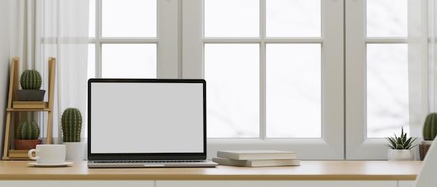 L'interior design minimo dell'area di lavoro ha aperto il rendering 3d del mockup dello schermo del laptop
