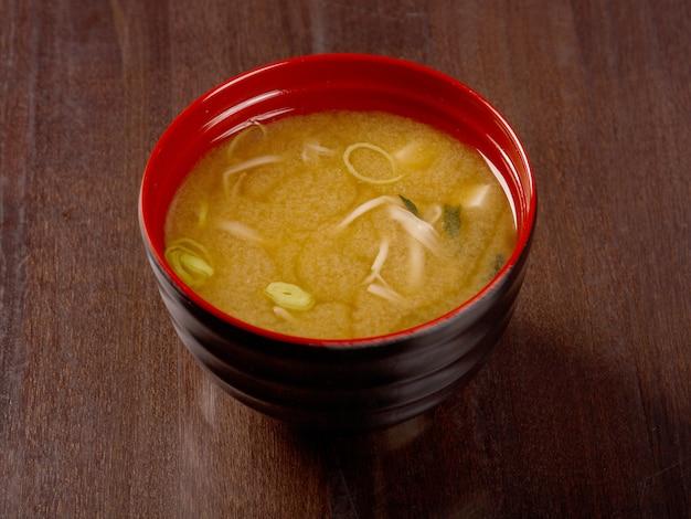 Zuppa di miso, cibo giapponese. primo piano