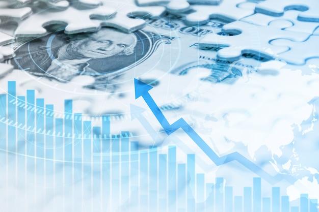 Pezzi di puzzle mancanti sul fondo del dollaro dei soldi con il grafico di crescita