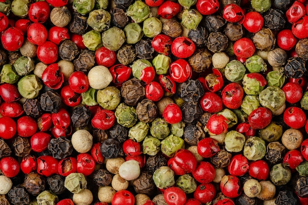 Mix di diversi pattern di grani di pepe. overhead.