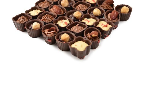 Mix di gustosa collezione di caramelle al cioccolato.