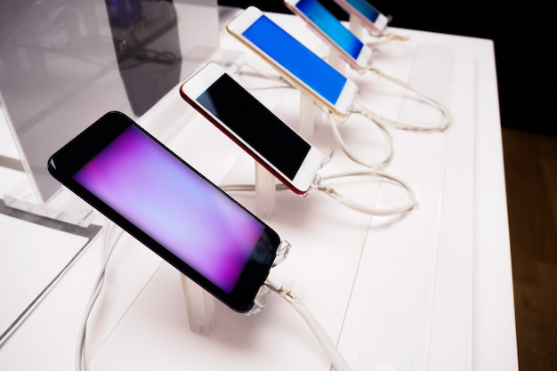 Smartphone mobile in negozio