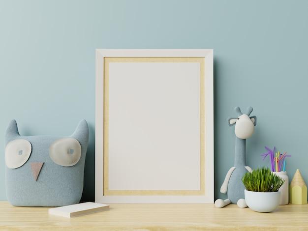 Mock up poster nell'interno della stanza del bambino, poster su sfondo blu muro vuoto.