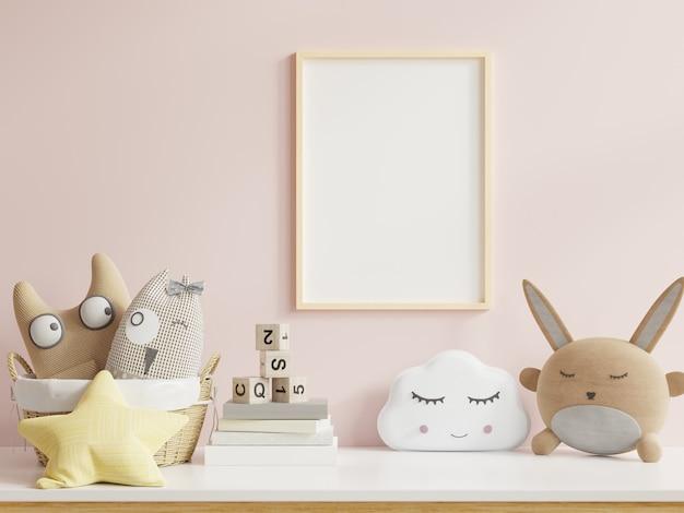 Mock up poster nell'interno della stanza dei bambini, poster su sfondo rosa vuoto della parete, rendering 3d