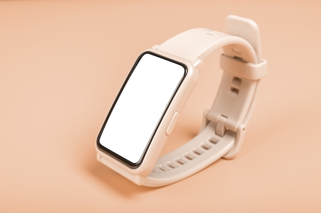 Mockup image orologio fitness su sfondo pastello