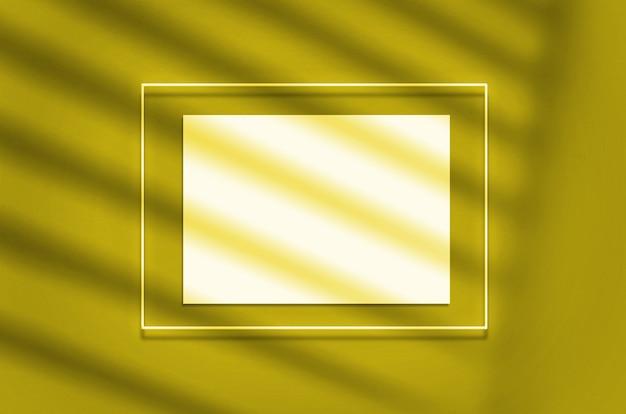 Mockup poster in una cornice al neon con un bagliore giallo.