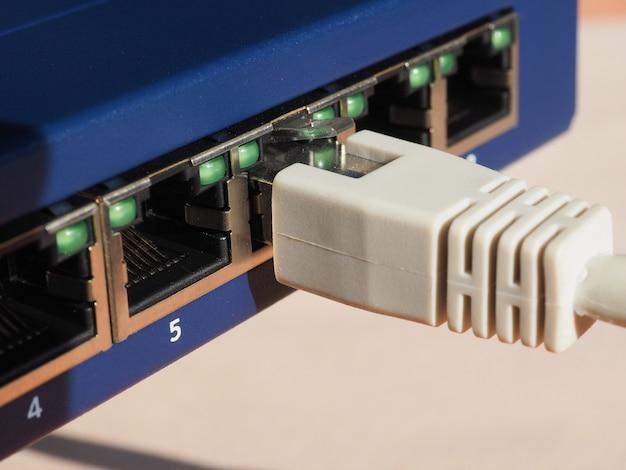 Switch modem router con porte ethernet rj45