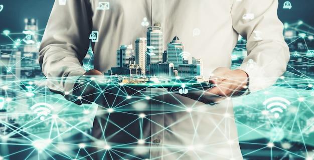 Comunicazione creativa moderna e connessione di rete internet in smart city