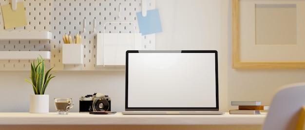 Rendering 3d del mockup della struttura del manifesto della macchina fotografica del modello dello schermo del computer portatile dell'area di lavoro domestica moderna da ragazzina