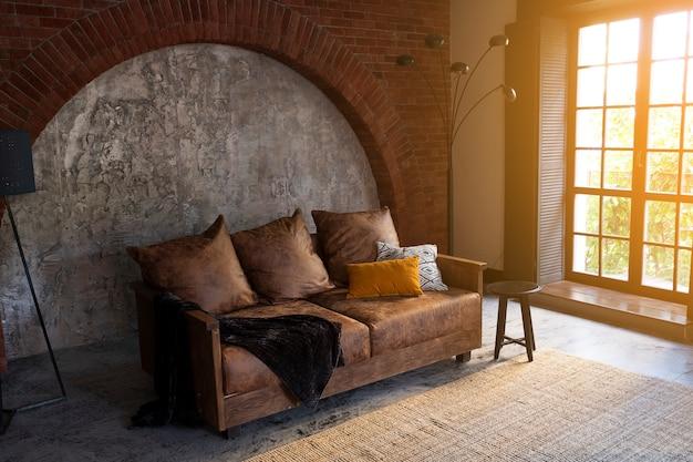 Interni moderni di una stanza o di un soggiorno.