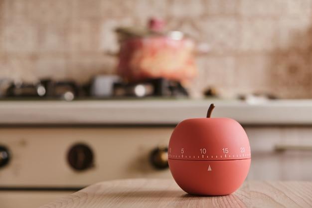 Timer da cucina moderno a forma di mela