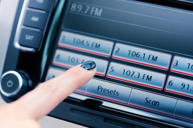 Cruscotto per auto di lusso moderno con grande display Foto Premium