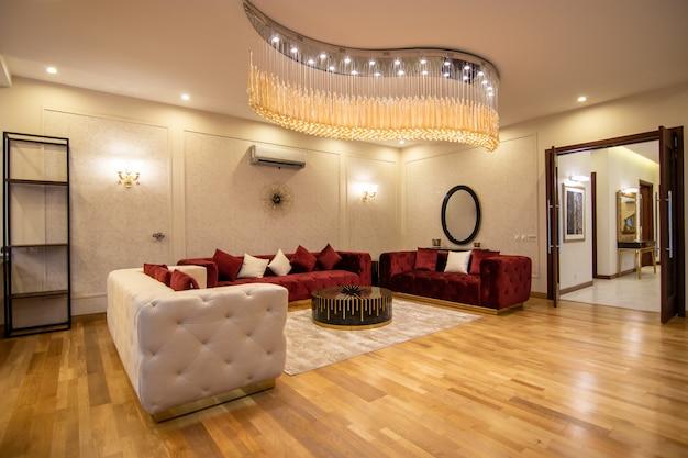 Disegno e sala da pranzo della casa moderna e di lusso