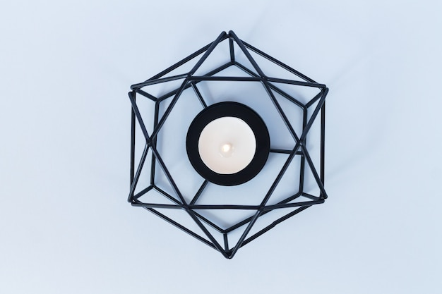 Portacandele moderno in metallo o candeliere a lume di candela