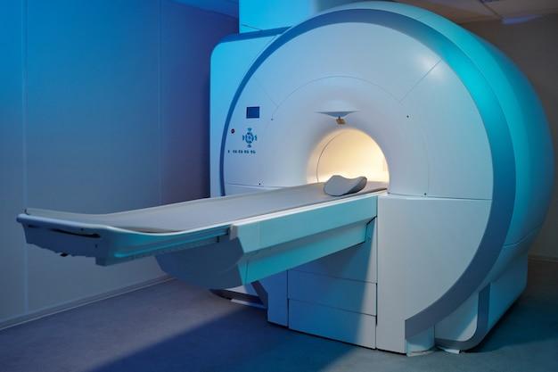 Moderne apparecchiature di scansione per risonanza magnetica in grandi cliniche