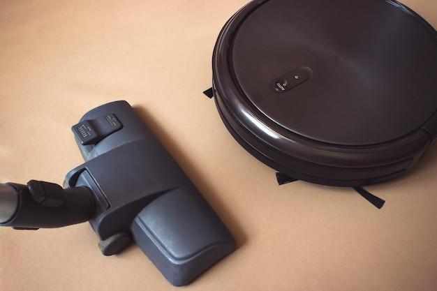 Moderna tecnologia di pulizia elettronica intelligente. interno, lavori domestici.
