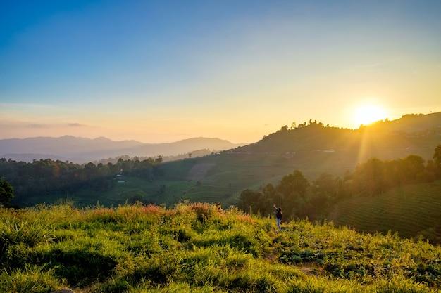 Lunedì, marmellata di lunedì, crepuscolo del tramonto del paesaggio bello a chiang mai