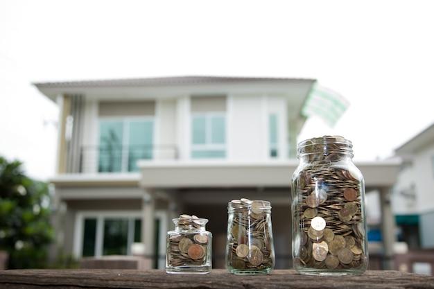 Monete soldi con casa