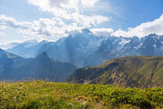 Monte bianco o mont blanc in controluce, lato italiano