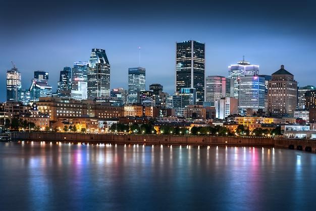 Skyline di montreal di notte