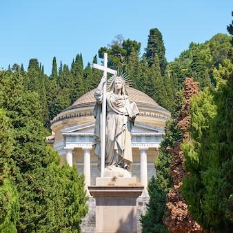 Il cimitero monumentale di staglieno a genova, italia